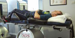 درمان دیسک با فیزیوتراپی بعد از تشخیص پزشک معالج یکی از روش های درمانی را برای بیمار دیسک انتخاب می نماید که این یکی از این روش های درمانی، درمان دیسک با فیزیوتراپی است .پزشک بعد از تشخیص و کسب اطمینان از دیسک ، فرد را به فیزیوتراپ معرفی می کند . منبع : http://www.pardispainclinic.com/%D8%AF%D8%B1%D9%85%D8%A7%D9%86-%D8%AF%DB%8C%D8%B3%DA%A9-%D8%A8%D8%A7-%D9%81%DB%8C%D8%B2%DB%8C%D9%88%D8%AA%D8%B1%D8%A7%D9%BE%DB%8C/