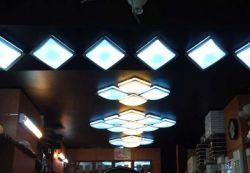 چراغ های سقفی گزینه مناسبی برای تزیین در مبحث دکوراسیون بوده  و میتوان آن را جایگزین سایر چراغ ها و لامپ های موجود کرد. این چراغ ها توان مصرفی مختلفی دارند و از قابلیت های آن ها میتوان تنظیم دستی زاویه تابش توسط مصرف کننده را نام برد. منبع : http://shabfroogh.ir/%DA%86%D8%B1%D8%A7%D8%BA-%D9%87%D8%A7%DB%8C-%D8%B3%D9%82%D9%81%DB%8C/