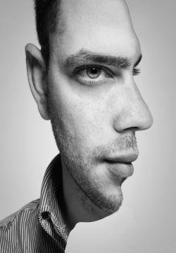چشمانت را باز کن.... خوب نگاه کن.... هرآنچه که میبینی واقعی نیست...
