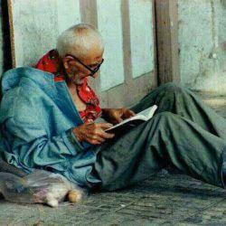 پزشکی که برای همدردی با فقرا ومعالجه آنها شبیه آنان شد .روحش شاد