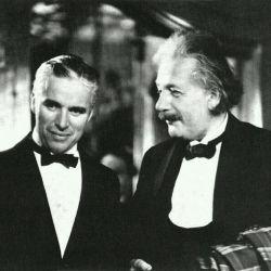 انیشتین در کنار چارلی چاپلین