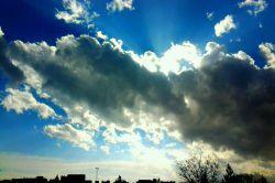 شکرگذار قطرات باران امروز هستیم و از خالق مهربانمان میخواهیم نعمات آسمانی اش را بیش از پیش نصیبمان فرماید . آسمان مشهد دوازدهم دی ماه 94
