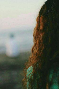 به هرکـی میگم خوب نیستم .. میگه این روزا تمـوم میشه تودلــم یه لبـخند میزنم ومیـگم .. آره خــب ... منـم دارم تموم میشَـــم ..❣ #مُبی