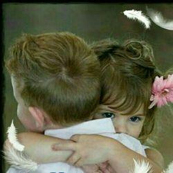 چقدر دوست دارم دوست داشتنت را ...!! دوست داشتن تویی که ممنوع ترینی برای من چقدر دلم هوایت را دارد ...!!هوای تویی که حق نفس کشیدن در هوایت را ندارم چقدر آرامش میدهی به من !!تویی که حق آرامش گرفتن از وجودت را ندارم چقدر زیبا نوازش میکنی روحم را !!تویی که حق نوازش روحت را ندارم چقدر خوب است بودنت !!تویی که حق با تو بودن را ندارم ...به یادت و برایت نوشتن زیباست ...بخوان و دم مزن ، می خواهمت ...می خواهمت ...می دانم که می دانی ....!!!