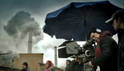 نمایی از  پشت صحنه فیلم سینمایی برلین منفی هفت