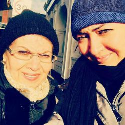 نیکی کریمی و مادر در المان