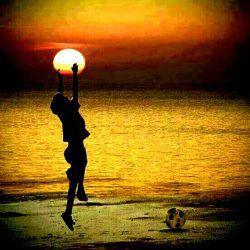 به سلامتی اونایی که مخاطب خاصشون خداست به سلامتی اونایی که شبا به خدا شب بخیر میگن به سلامتی اونایی که صبح با یاد خدا از خواب بیدار میشن به سلامتی اونایی که خدا همه دار و ندارشونه …
