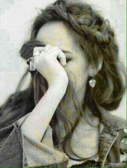 یک شب که به ماه ِ روشنش می ارزید  روحی که به آزار ِ تنش می ارزید  بگذار بگویند که او مرد نبود   این عشق،به گریه کردنش می ارزید..  #سید_مهدی_موسوی