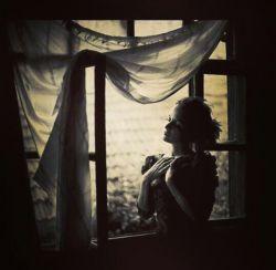 به افسون کدامین شعر در دام من افتادی  گر از یادم رود عالم ، تو از یادم نخواهی رفت  #شهریار