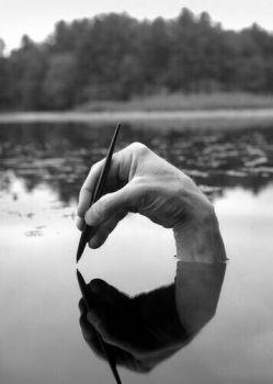 شعرهایم را نثارت میکنم تا که دنیا را پر از گندم کنی نانوا می باش و ساقی همزمان تا مبادا زندگی را گم کنی    #مجتبی كاشانی