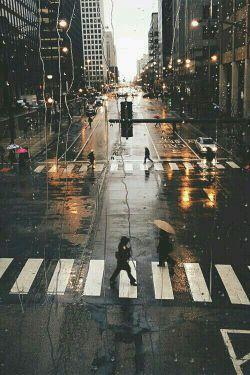 باران برای من یعنی؛ تاب نیاورده ای اندوه نیامدن را... جای خودت ، باران را فرستادی ...