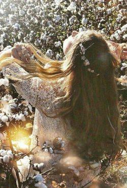 خـــــدا از سرِ تقصیرِ موهایت نگذرد . .   اگر بسته بود؛  من چنین آشفته نبودم!   #رضا_محبی_راد