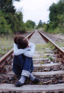 گاهی خدا میاد گوشمو محکم میگیره...    داد میزنه آهای...    بشین و غر نزن همینه که هست!    بعد چشمک میزنه، و آروم تو گوشم میگه: صبر کن همه چیز درست میشه...! (شب بخیر)
