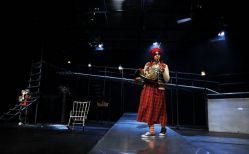 نمایی از تئاتر قاتل بی رحم هسه کارلسون