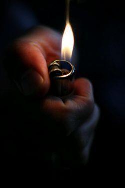 دنیا به اهل خویش ترحم نمیکند// آتش امان نمیدهد آتشپرست را ........... هرچند کپی برداری نصفه ای از پین و نیمه ای از اینستاست ، تلاششون قابل تحسینه !