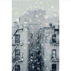 جیغغغغغغغغ هووووووررررااااااا اینجا دارههه برف میاااااد ((: البته نمیشینه\: