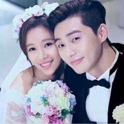 دوست دارم ابرها ببارند. تا دوست داشتن من را تر و تازه کند. تا بوی خوش باران بگیرد این عشق. بوی خوب خاک. بوی خوش سادگی. همین دوست داشتن برایم زیباست. . #سریال کره ای#او زیبا بود# عاشقانه