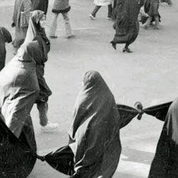 # هنر انقلاب اسلامی این بود که زنان جامعه ما را متحول ساخت و در مسیر اسلام و ارزشهای الهی هدایت کرد.