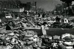 نوستالژی روزای انقلاب در حال بستن سنگر