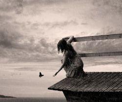 دنیا را آب برد... تو را خواب... مو هایم را باد... به ابتدای حیات بازگشته ام بی شک اقیانوس ها را چشم های من باریده اند.. #ارغوان_جهانگیری