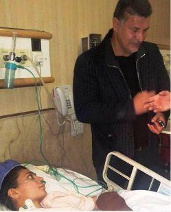 علی دایی دیروز به عیادت سارا عبدالمالکی عضو تیم ملی راگبی که در اثر تصادف دچار آسیب دیدگی شدید شده است، رفت.