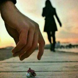 رفتن همیشه پا نمی خواهد گاه همیشه ادم از دست می رود بی هیچ رد پایی!!!!