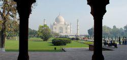 هتل های هند گردشگران بسیار زیادی کشور هند را برای گردشگری و گشت و گذار انتخاب می کنند . کشور هندوستان برای گشت و گذار و ماجرا جویی میتواند کشوری پررمز و راز باشد . هتل رادیسون بلو یکی از هتل های 5 ستاره ای میباشد که در دهلی قرار دارد . منبع : http://tourbartar.com/%D9%87%D8%AA%D9%84-%D9%87%D8%A7%DB%8C-%D9%87%D9%86%D8%AF/