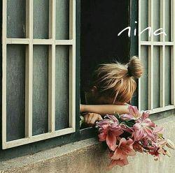 مرا چه می خوانی آن زمان که از انتظارت تنها خاطره ای چروکیده ام، در آغوشم می کشی؟ یا که می گویی بیچاره ای از دیرباز است که رهگذری دلش را ربود... ❤ ❤ nina ❤ ❤