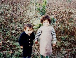 اینم عکس اصلی پنبه جار روستای گل افرا دست در دست دختر همسایه