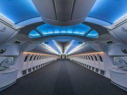 نمایی از داخل یک هواپیمای مسافری قبل از نصب صندلی