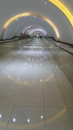 تونل هوایی ارتباط بازار معروف به سیتی سنتر 1 و 2 -قشم -ایران
