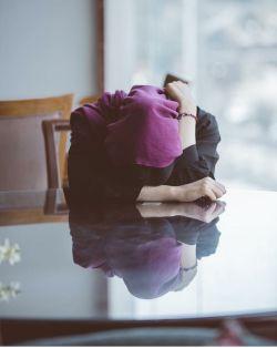 تو بر نمی گردی... وَ این غمگین ترین شعر جهان است! که ترجمه نمی شود ؛ یعنی تو را به هیچ زبانی نمی توان برگرداند