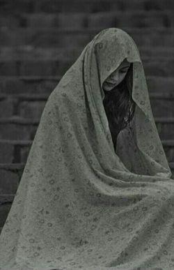 من یک زنم وآدم وقتی زن باشد جز آنچه در قلبش دارد همه چیز را فراموش میکند..