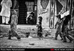 سفیر ایران در لبنان: ایران به خانواده هر شهید فلسطینی 7 هزار دلار کمک می کند ................مسئول عزیز اینجا سیستان و بلوچستان ایران هست...به مردم غیورت هم کمک کن