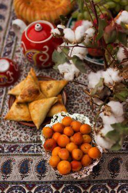 سفره زیبا ی مردم مهمان نواز تاجیک