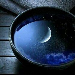 وقتی ستاره نیز ......سو سوی روزنی به رهایی نیست .......ان چشم شب نخفته ، چرا پای پنجره ......با ان نگاه غمگین  تاژرف اسمان را  می کاوید ؟............انگاه ، باز می گشت ، نومید ، و می گریست !