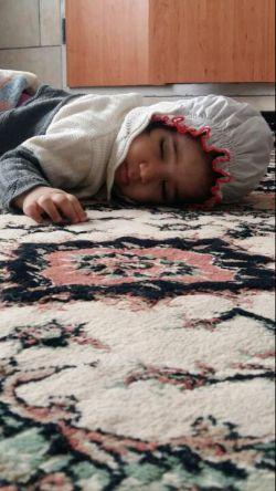خوشگل دایی خوابه.....