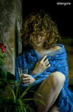 عشق دیگر از شفقت بر کنار افتاده است هرچه عاشق زارتر معشوق از او بیزارتر . . .