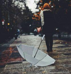 شیون ابرها میشد طنینی گوش نواز در شادی دست چین باران،میان گیسوان خیس....