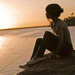 """№№№№№№""""... وقتی که دیگر نبود، من به بودناش نیازمند شدم،●● وقتی که دیگر رفت، من به انتظار آمدناش نشستم،●● وقتی که دیگر نمیتوانست مرا دوست بدارد، من او را دوست داشتم،●● وقتی او تمام کرد، من شروع کردم، وقتی او تمام شد،●● من آغاز شدم. و چه سخت است تنها متولد شدن، مثل تنها زندگی کردن است، مثل تنها مردن است...""""№№№№№№"""