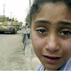نگاه مظلومانه بچههای عراق.یمن،سوریه،بحرین و...رافراموش نکنیم و برای نجاتشان برای فرج دعا کنیم.