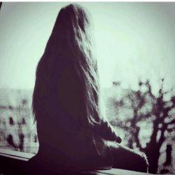 اوج درد وقتیه که نه میتونی ببخشیش نه نفرینش کنی، اخه هنوز دوسش داری