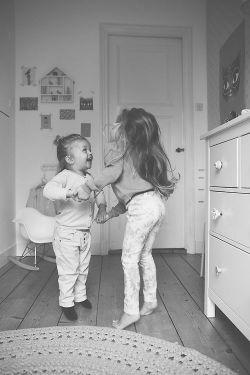اِوا تولــده ^___^ اِهِم اِهِم :)))) «من هــووول شدم» سمیۀ قشنگم :) امیدوارم همیشه لبخند روی لبات باشه و هر روزت پر از لحظه های قشنگ و رنگی رنگی باشه و همیشه دلت پر از حسآی خوب خوب باشه♥♥♥ و اینکه تولــدت مبارک عزیزخوبم :* @sOmy.nZ