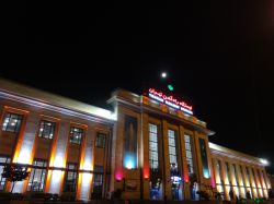 بیار ای باد نوروزی نسیم باغ پیروزی //که بوی عنبرآمیزش به بوی یار ما ماند ....ایستگاه راه آهن تهران ...عکس از ما