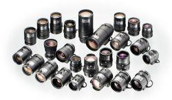 انواع لنز دوربین مداربسته لنز به انگلیسی Lens مجموعهای استوانه ای شکل به همراه یکسری عدسی های سیقل داده شده و پشت سرهم می باشد که نور با عبور از بیرونی ترن عدسی و با عبور از مابقی عدسی های پشت سرهم قرار گرفته به سطح سنسور تعبیه شده برخورد می کند و تصویر با توجه به طول و عرض سنسور منعکس می گردد. کیفیت تصویر بیشتر اندازه سنسور و نوع عدسی ها و قرار گیری های آنها در لنز بستگی دارد. ... منبع: http://www.rashsystem.com/cnt/100/489