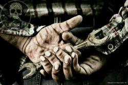جرم مافقیران هیچگاه ثابت نمیشود...چراکه اثر انگشتان راکارگری صاف کرده