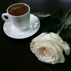 نگران نباش همه چی حله زندگی مثه یه قهوه تلخه شکر بزنی بهش میبینی شیرین تر از قنده پس بهترین راه مبارزه با مشکلات لبخنده..