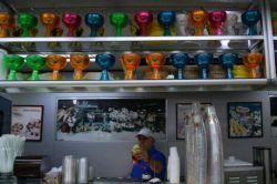 #بستنی فروشی #جلیتو لب دریا روبروی #روشه. انواع و اقسام بستنی ایتالیایی (میوه ای) و انواع آبمیوه و چیزهای عجیب از ترکیب میوه و بستنی.