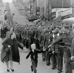 قدرت نه دست هیتلر است ، و نه دست تمامِ کسانی که جنگ به پا کردند ! قدرت، دست کسی ست که میفهمد ... دوستش داری !  مریم_رسولی