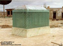 مرقد شهید آیت الله سید حسن مدرس به هنگام بازسازی در شهر کاشمر/ شهید آیت الله سید حسن مدرس، از نمادهای همگامی دین و سیاست و دینی کردن برخی نمادهای عرفی از جمله پارلمانتاریسم در ایران معاصر به شمار میرود. او در عرصه های گوناگون علم و عمل، واجد کمالات و امتیازاتی بزرگ بود، که بسیاری از دشمنان وی نیز بدان اذعان کرده اند.او در 10 آذر ماه 1316 در تبعید گاه خواف و به دستور رضاخان به شهادت رسید. مزار او ــ همانگونه که خویش پیش بینی کرده بود ــ زیارتگاه مردم در شهر کاشمر به شمار میرود.